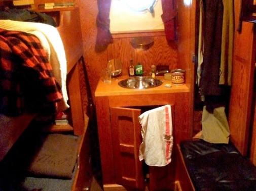 ship bedroom